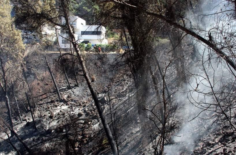 El incendio forestal de vallirana entra en fase de control - Trabajo en vallirana ...