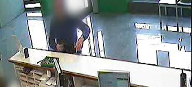 Dos detenidos por once atracos en sucursales bancarias del for Oficinas bancarias abiertas por la tarde