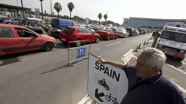 """La CE recuerda a España que los controles en Gibraltar deben ser """"proporcionados"""""""