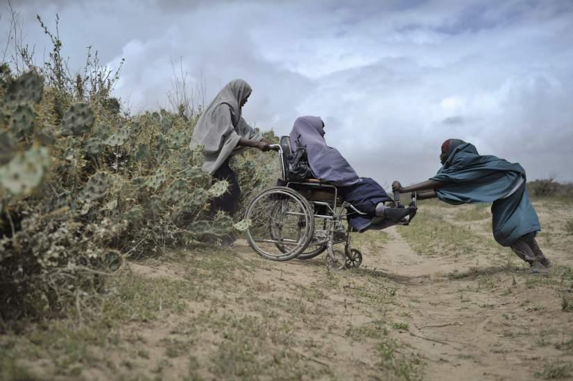 Reparto de alimentos en Somalia