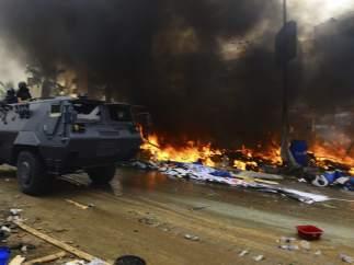 Incendios en El Cairo tras el desalojo