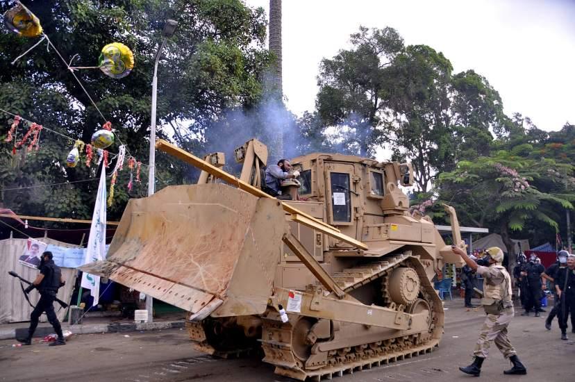 Desalojo de los campamentos pro-Morsi