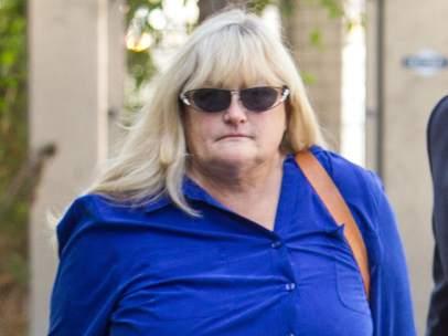 Debbie Rowe, exmujer de Michael Jackson, a su llegada a los juzgados el 14 de agosto de 2013