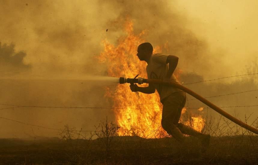 Al menos un muerto en un incendio en Portugal