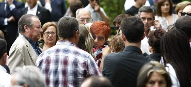 Escenas de dolor en el entierro de la empresaria Rosalía Mera