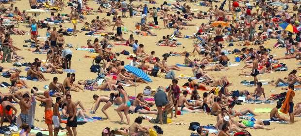 Bañistas en la playa.
