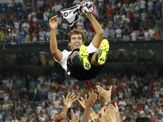 Raúl, manteado