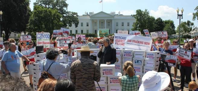 Activistas contra el 'fracking'