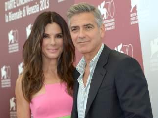 Sandra Bullock y George Clooney, en la presentación de 'Gravity'.