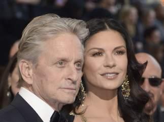 Michael Douglas y Catherine Zeta Jones el 27 de febrero de 2013, en la entrega de los Oscar.