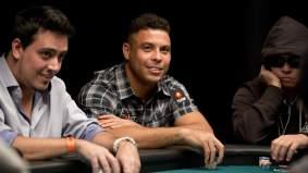 Ronaldo, jugando al póker