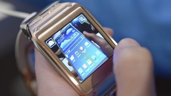 94eab5190 Relojes inteligentes: Samsung, Sony y Qualcomm se adelantan en una guerra  sin Apple