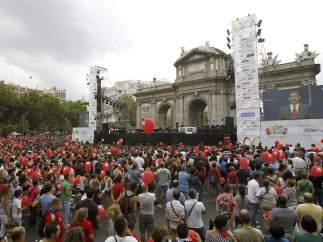 La presentación, desde la Puerta de Alcalá
