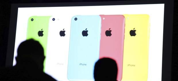 Apple presenta su iPhone de bajo coste, el 5c, con carcasa de plástico y desde 99 dólares