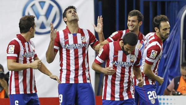 Diego Costa celebra uno de sus goles ante Osasuna