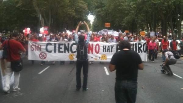 Cabecera de la marcha contra la precariedad en investigación