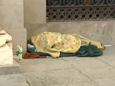 Un sintecho, en el centro de Madrid