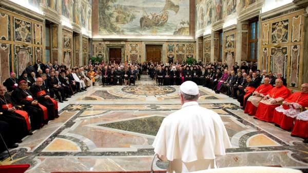 Matrimonio Catolico Tradicional : El papa envía cuestionarios a católicos sobre matrimonio