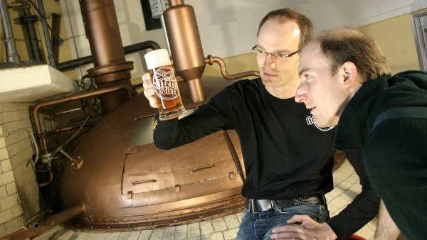 Consiguen elaborar cerveza con una receta de hace tres siglos