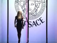 Versace no participará en los desfiles de Alta Costura en París
