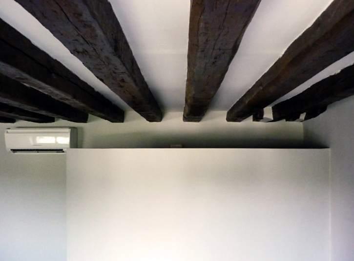Vigas de madera vista o c mo saber decorar con la vieja y escondida estructura de la casa - Restaurar vigas de madera ...