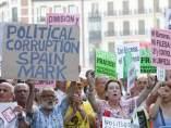 Pancartas contra la corrupción y los políticos
