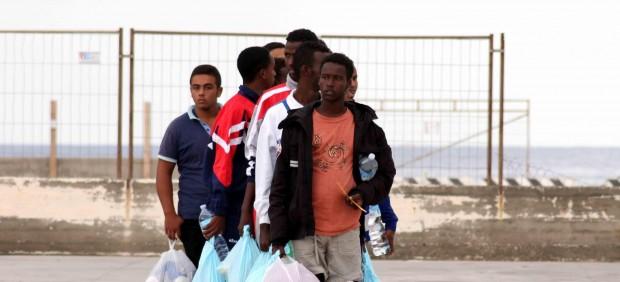 La UE evita comprometer dinero o nuevos medios para frenar la inmigración irregular