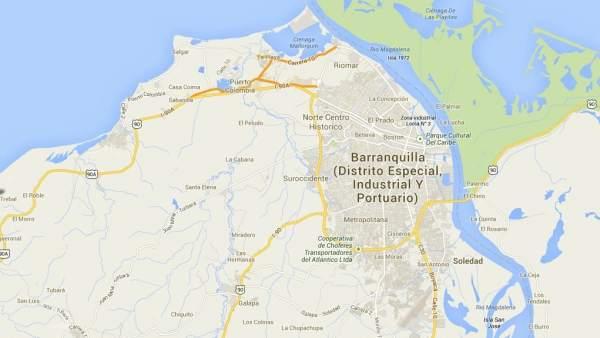 Colombiana de 40 anos masturbando su conjo y ojete rosado - 1 5