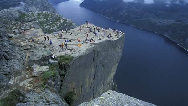 Un turista español muere al caer desde 'El Púlpito', en los fiordos noruegos
