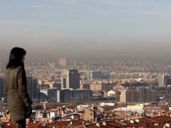 Las altas temperaturas y el tráfico elevan el ozono 'malo' en España