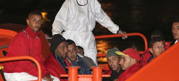 Rescatados 38 inmigrantes en Almería