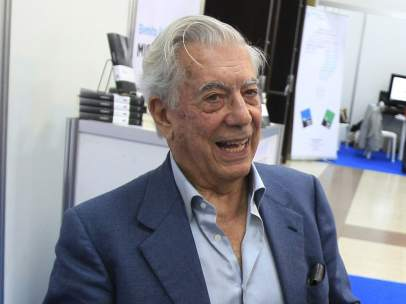 El escritor y Nobel de Literatura peruano Mario Vargas Llosa