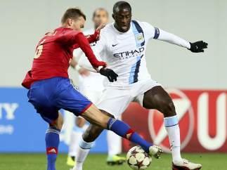 Berezutski y Toure en el CSKA - City