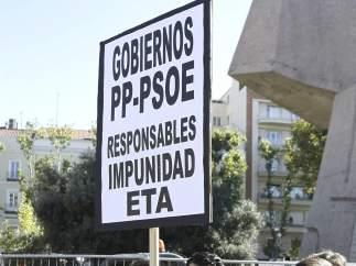 Contra los Gobiernos del PP y PSOE