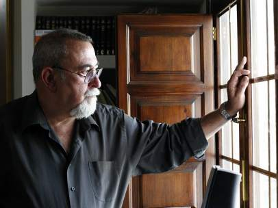 El biólogo Máximo Sandín, en su despacho.
