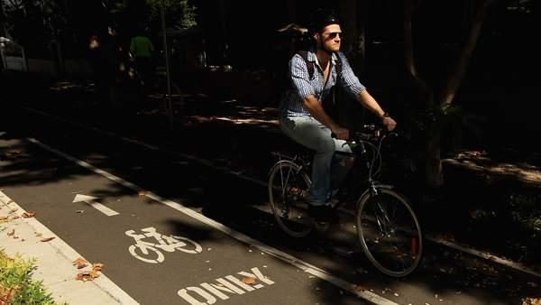 Elegancia sobre las ruedas de la bicicleta