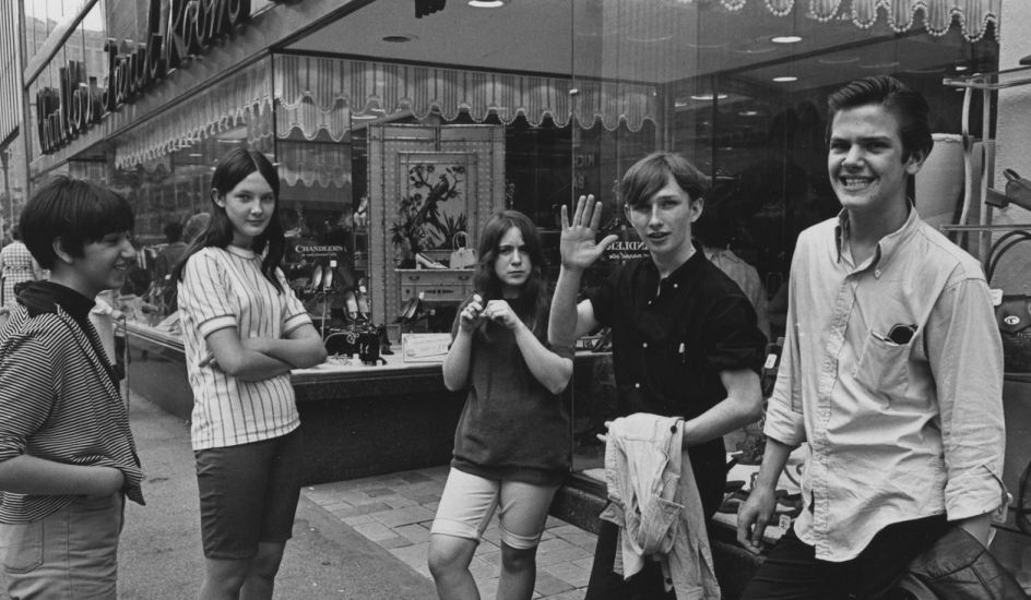 Grupo adolescente hogar agoura 1970 s