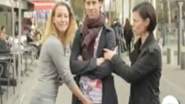 Videos de mujeres que tocan el pene