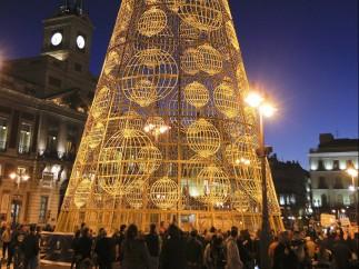 Madrid enciende su árbol de Navidad