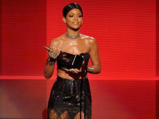 Rihanna, Mejor Artista Femenina de Rithm & Blues