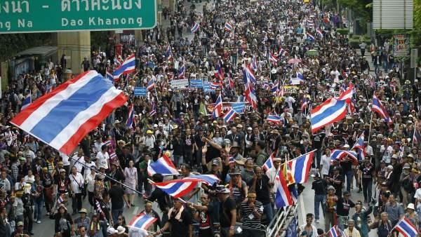 Multitudinarias manifestaciones antigubernamentales en Tailandia