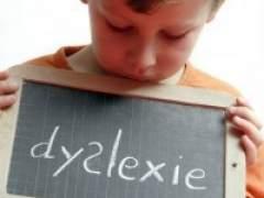 Recoge firmas para que las faltas de ortografía no se apliquen a las notas de su hijo disléxico