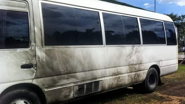 Autobús que llevaba a Capriles