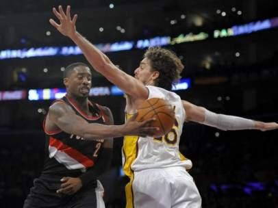 Lakers versus Blazers
