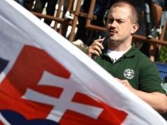 La ultraderecha eslovaca busca un referéndum de salida de la UE
