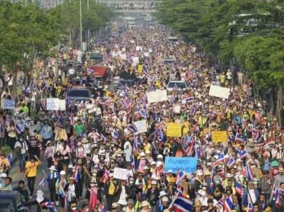 El Gobierno tailandés disuelve en Parlamento