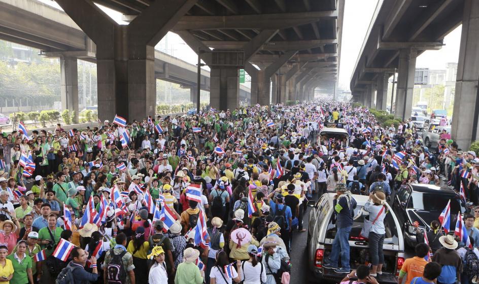 Las protestas fuerzan la disolución del Parlamento tailandés