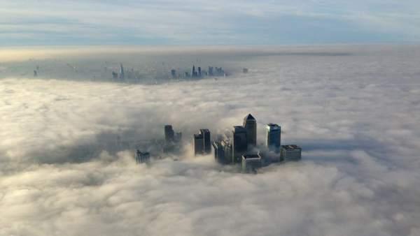 Londres, bajo la niebla