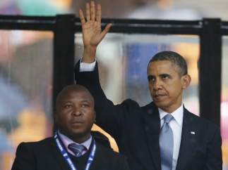 Intérprete de signos en el funeral de Mandela