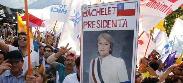 Cartel de Bachelet